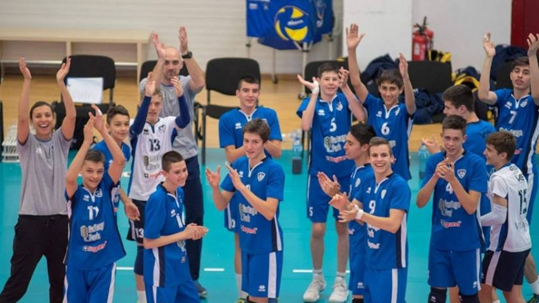 Левски триумфира с титлата при момчетата U15
