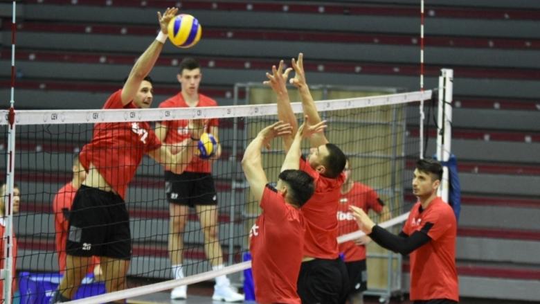 Четири часа със забравените волейболни национали...  (снимки)