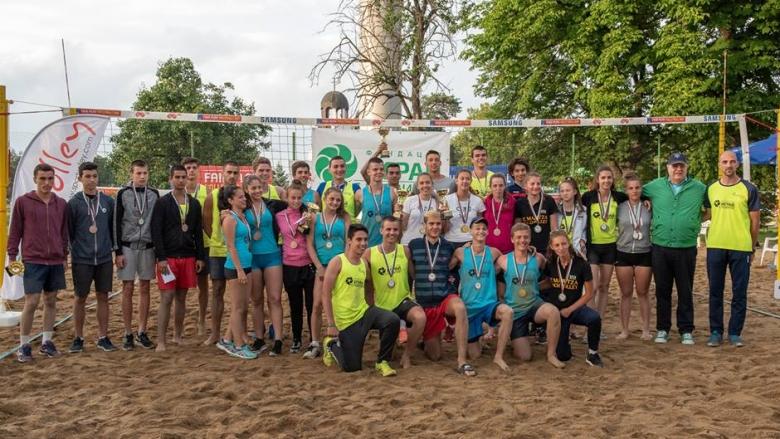 Фотогалерия от турнира по плажен волейбол в Божурище