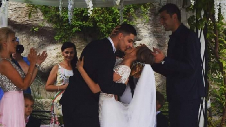 Волейболен национал се врече във вярност на Мис България (снимки)