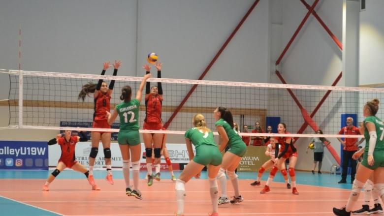 Волейболистките U19 с категоричен успех над Албания