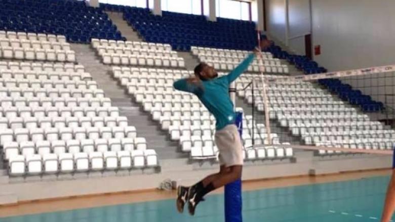 Руандийски фен на Цветан Соколов започна тренировки с Марек