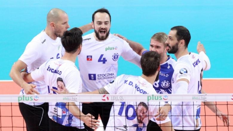 Бг Шчечин продължава победния си път