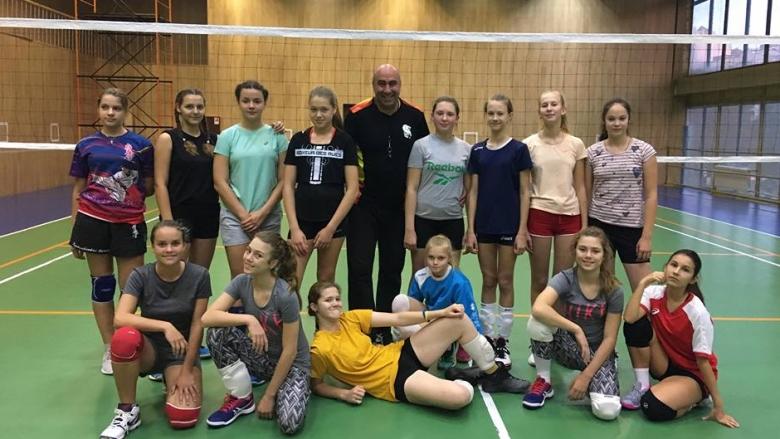 Българин тренира наследнички на руски волейболни знаменитости