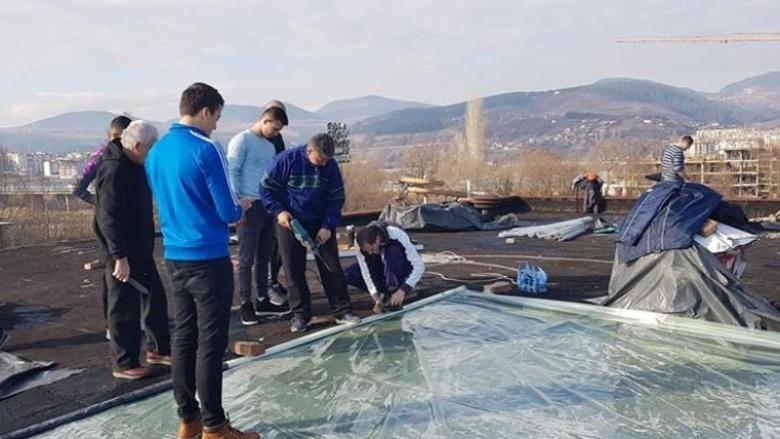 Арпезос отново протече, волейболисти и ръководство започнаха ремонт (снимки)